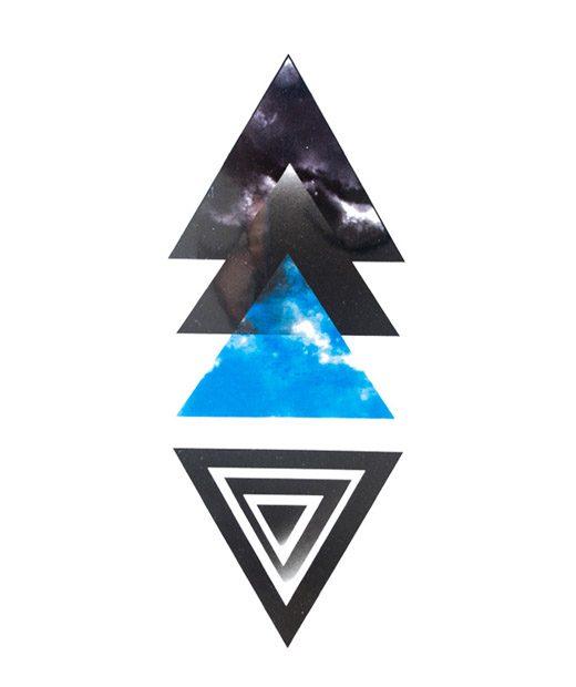 tatuaje temporal blue pyramid feel tattoo