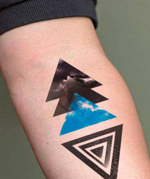 tatuaje temporal blue pyramid modelo feel tattoo