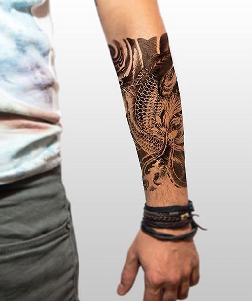 tatuaje temporal carpa modelo feel tattoo