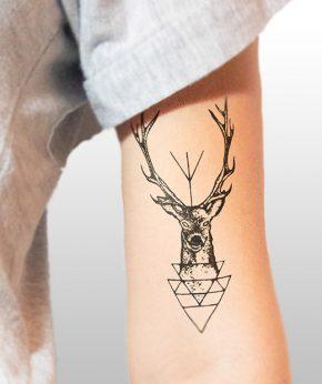tatuaje temporal ciervo modelo feel tattoo