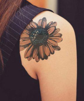 tatuaje temporal margarita otoñal modelo feel tattoo
