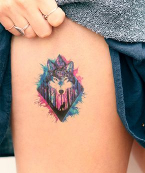 tatuaje temporal lobo cosmos modelo feel tattoo