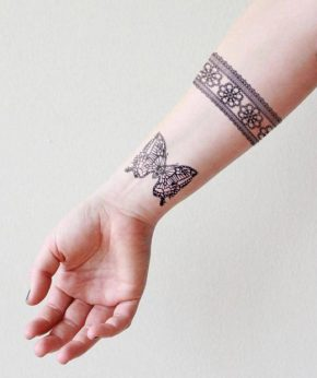 tatuaje temporal mariposa cebra modelo