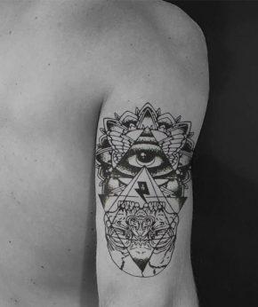 tatuaje temporal ojo deidad modelo feel tattoo